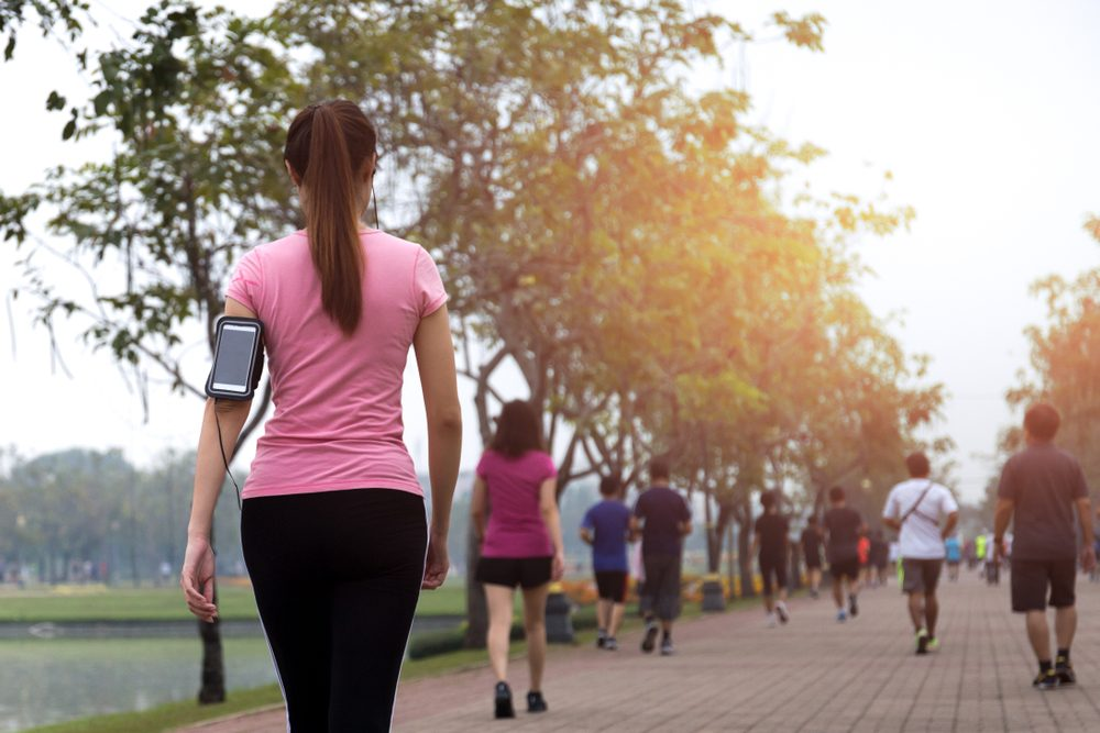 essential tips for walking in the summer