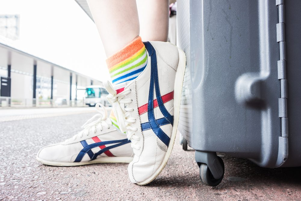 choosing the best walking shoes for travel